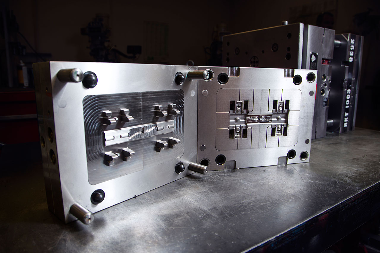 steel injection mold
